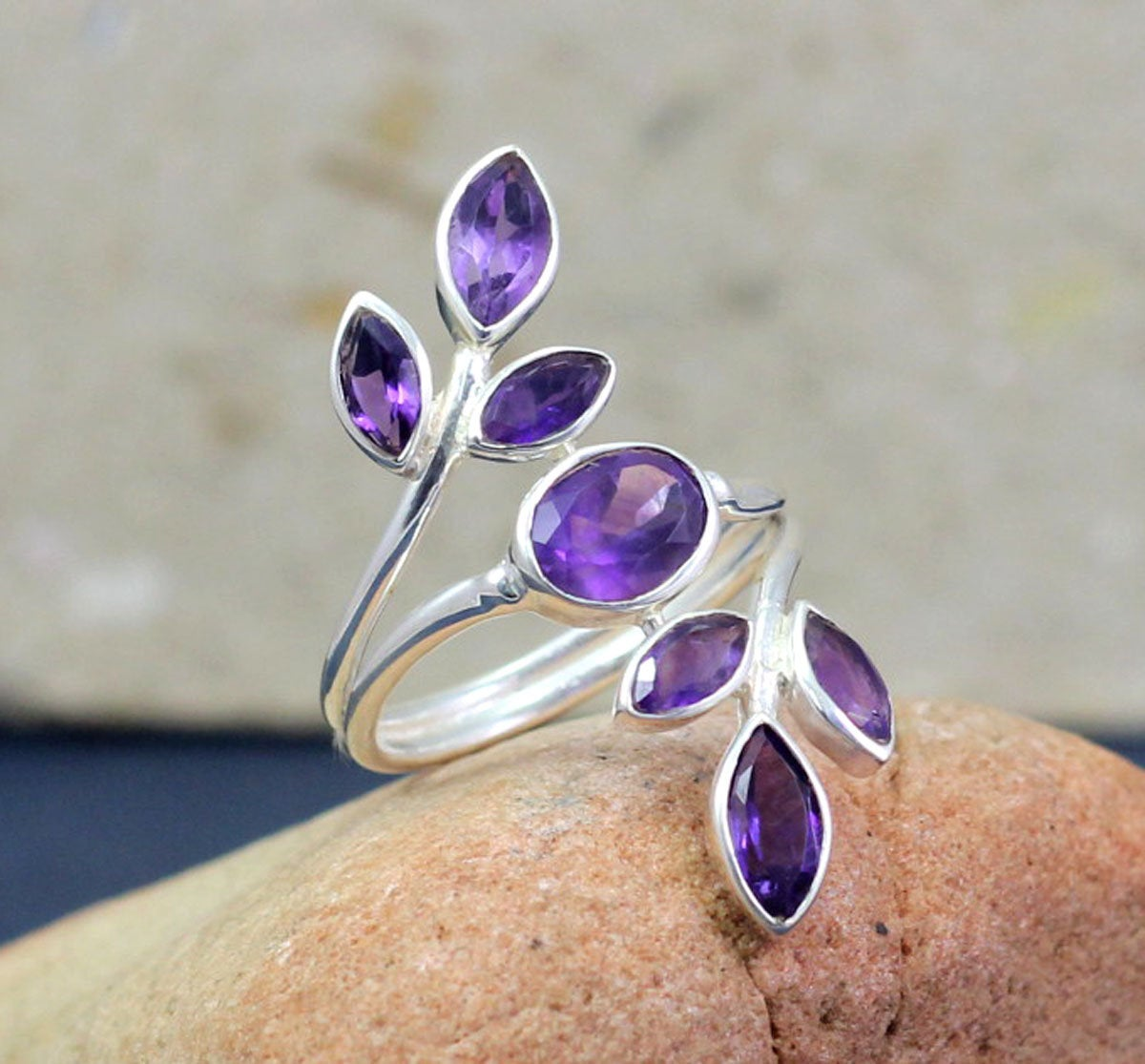 Amethyst Flower Designer Ring,Wedding Gift Ring,Bridal shower Gift,Solid 925 Sterling Silver Handmade Jewelry,Anniversary Gift Ring MR1003