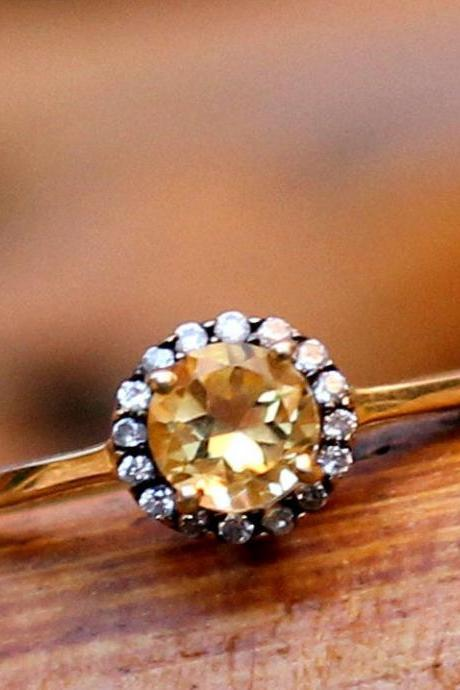 Soulful Solitaire Citrine Engagement Ring,CZ Halo ring,925 Sterling Silver Jewelry,Anniversary Gift,Proposal Ring,Thanksgiving Gift,My Ring