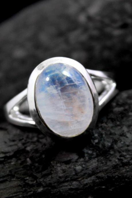 Prismatic Moonstone Ring,Solid 925 Sterling Silver Gemstone Jewelry,Anniversary Ring,Bridal Shower Gift,Feminine Valentine Ring,Elegant Ring