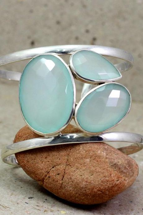 Bold Fire Labradorite cuff Bangle,Chalcedony cuff Bracelet,925 sterling silver jewelry,Anniversary Gift,Bridal Shower Jewelry,Proposal gift
