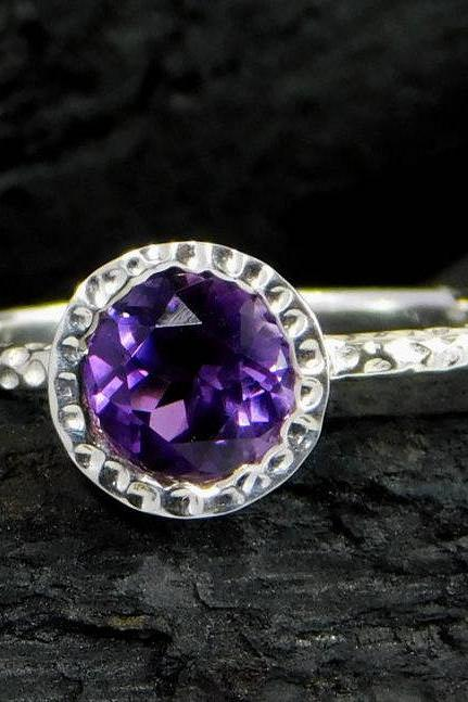 Solitaire Ring,Royal purple Promise Ring,Valentine present,925 sterling silver jewelry,Hammer Ring Band,Natural Amethyst Jewelry