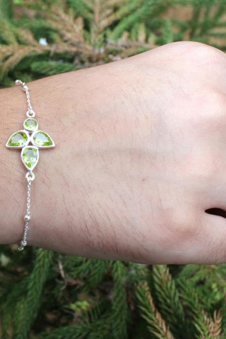 Lovely Dainty Peridot Charm bracelet,925 sterling silver Women jewelry,Gift for Girl Friend,Healing Birthstone Jewelry,Bracelet for Wife