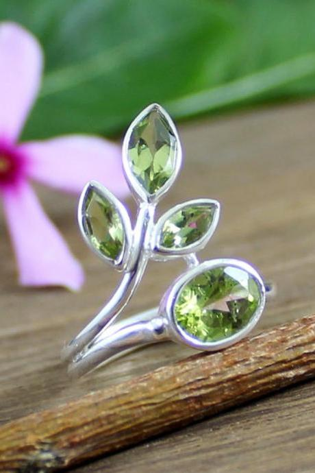 Peridot Gemstone Ring, 925 Sterling Silver Ring, Wedding Ring, Ring Size 6, Birthstone Ring, Womens Ring Jewelry,MR1176
