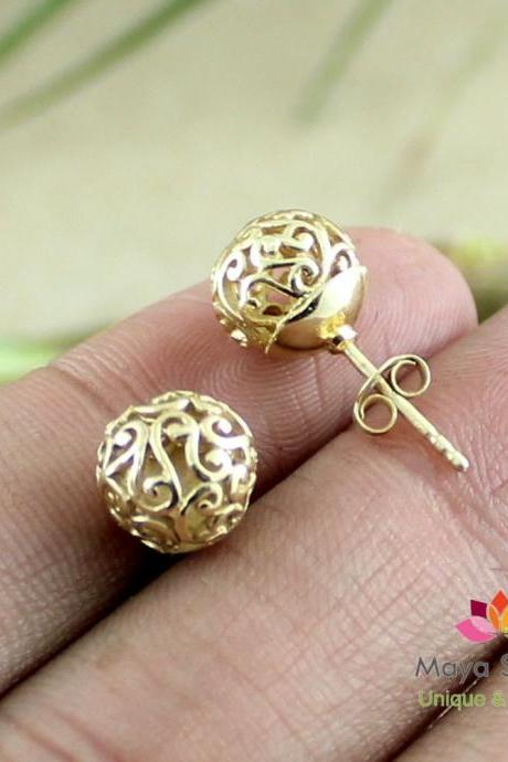 filigree design ball earring, ball stud earring, gold plated silver, cute small stud, filigree earrings, designer jewellery,ETER1025