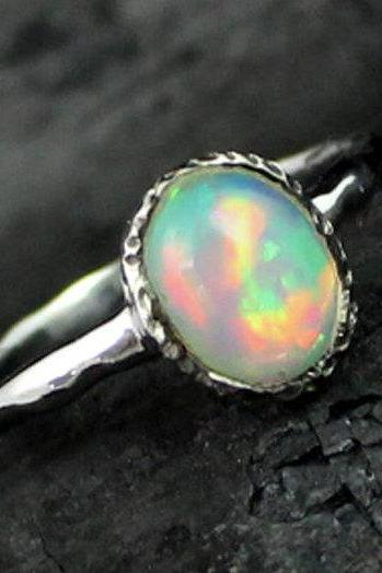 Natural Opal Ring,Solitaire Engagement Ring,Birthstone Jewelry,Bridesmaid Gift,Hand Hammered,925 Texture sterling silver,Ring For Me