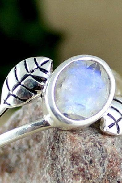 Lovely designer Moonstone silver ring,midi ring,Gift for daughter,925 sterling silver jewelry,Handmade Brides maid Ring MR1132