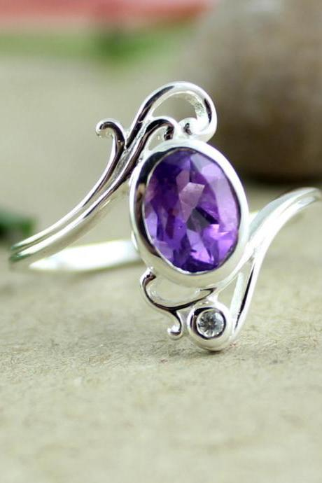 Amethyst Ring,Token of Appreciation,dainty Purple Ring,Solid Sterling 925 Silver,Ring for Daughter,Birthstone Ring,Silver Ring,designer Ring